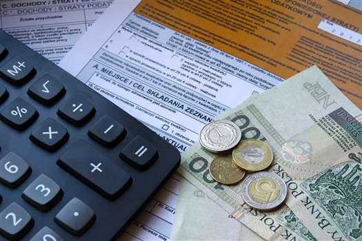 Co powinno zawierać zaświadczenie o zatrudnieniu i zarobkach? Pobierz darmowy wzór.
