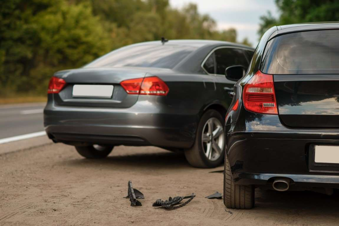Samochód służbowy – kto ponosi koszty w przypadku kolizji?