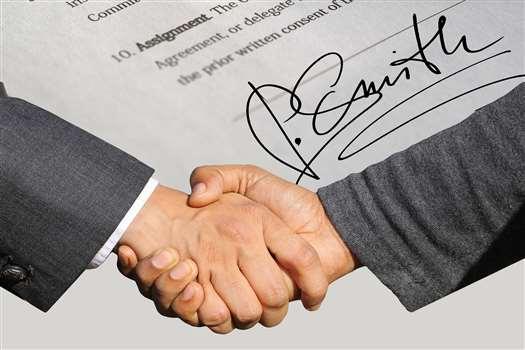 Umowa przedwstępna sprzedaży. Pobierz darmowy wzór z omówieniem