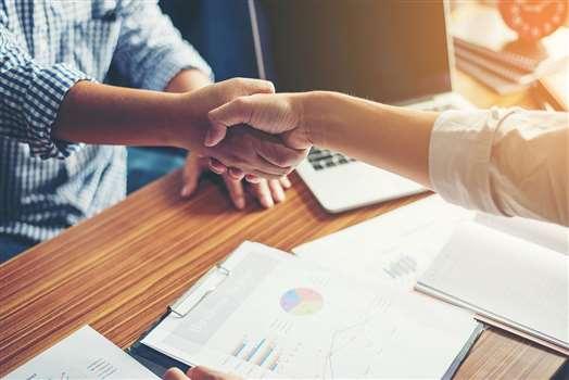 Umowa zlecenie a L4 – czy można iść na zasiłek chorobowy przy umowie-zlecenie