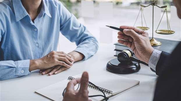 Sprostowanie świadectwa pracy – ile czasu na złożenie wniosku i otrzymanie poprawionego dokumentu?