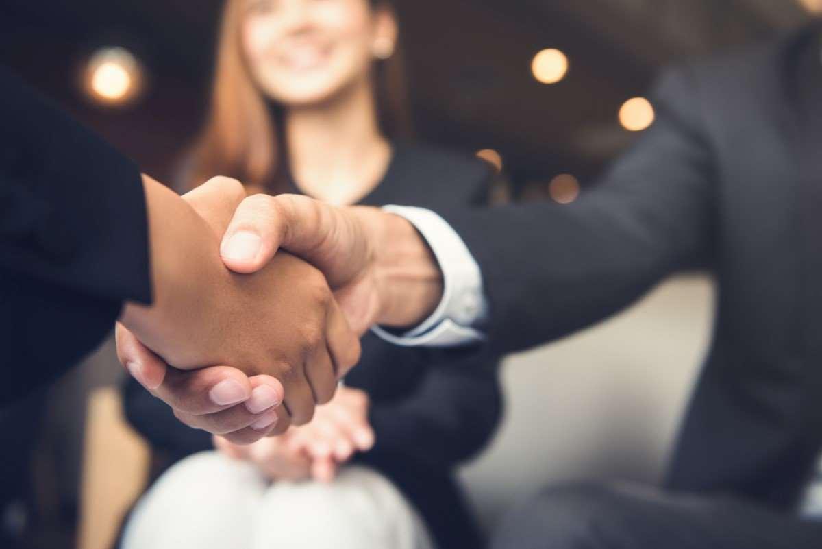 Savoir-vivre w biznesie– kiedy obowiązuje i jak go przestrzegać?