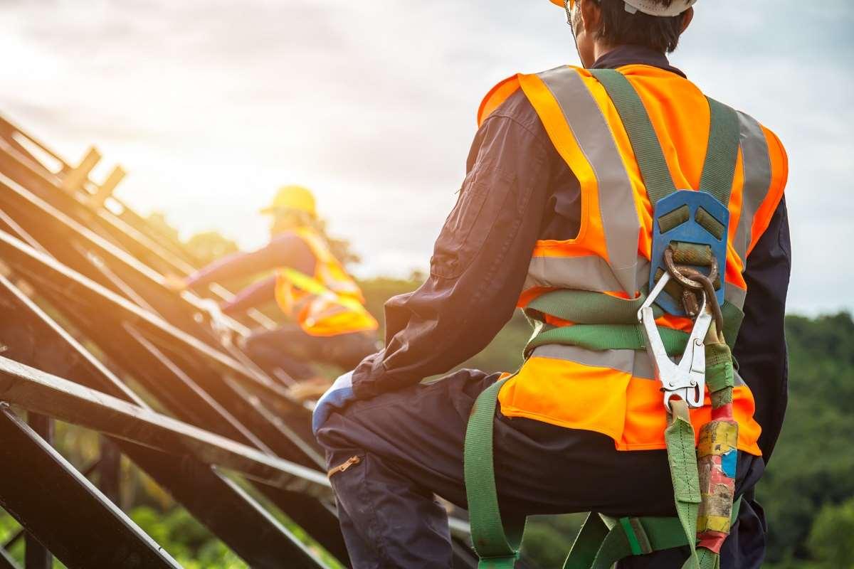 Ryzyko zawodowe – co to? Jak określić zagrożenia w środowisku pracy?