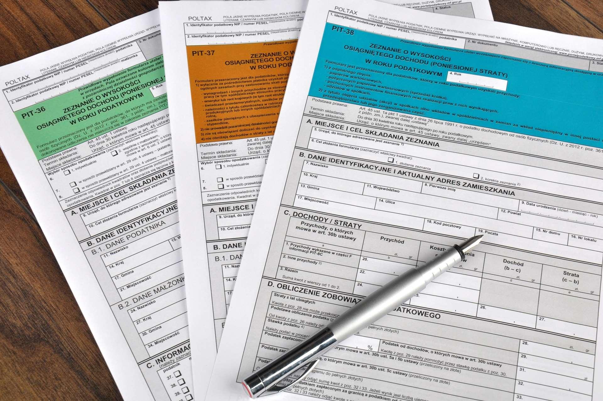 Formularz VAT-7 (VAT-7K) – wzór z omówieniem