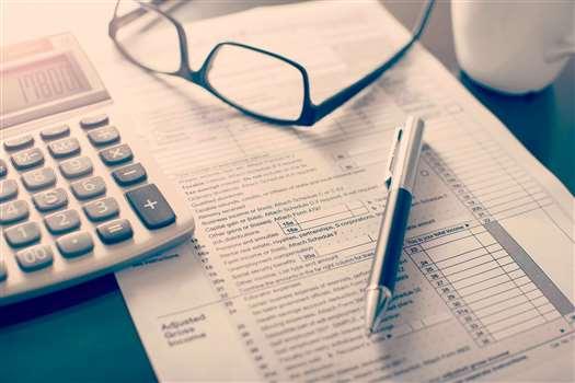 Dochód a przychód – jaka jest między nimi różnica?