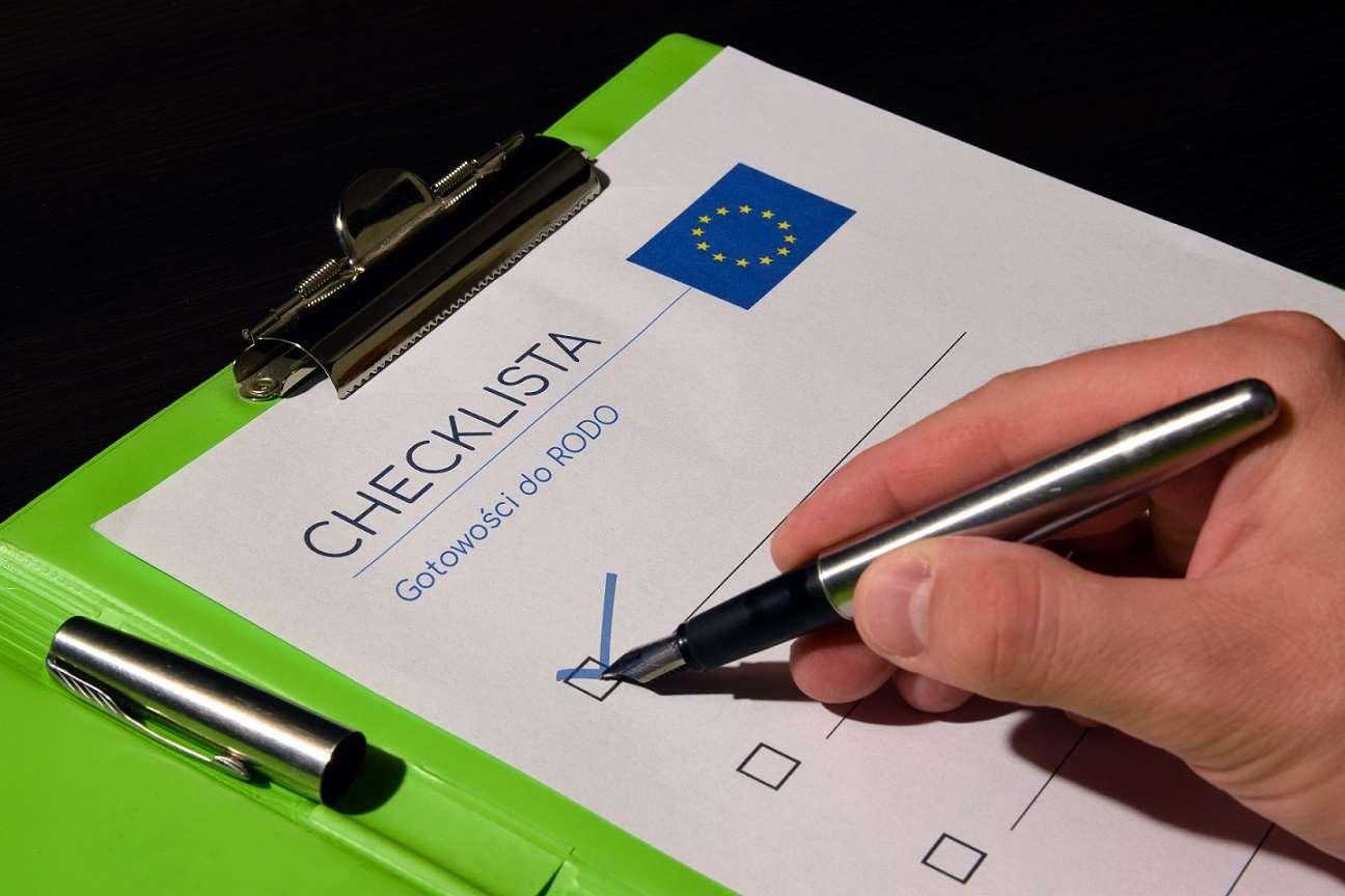 Jakie zmiany wprowadza RODO? Pobierz wzór zgody na przetwarzanie danych osobowych.