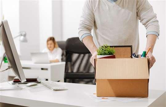 Likwidacja stanowiska pracy – komu należy się odprawa?