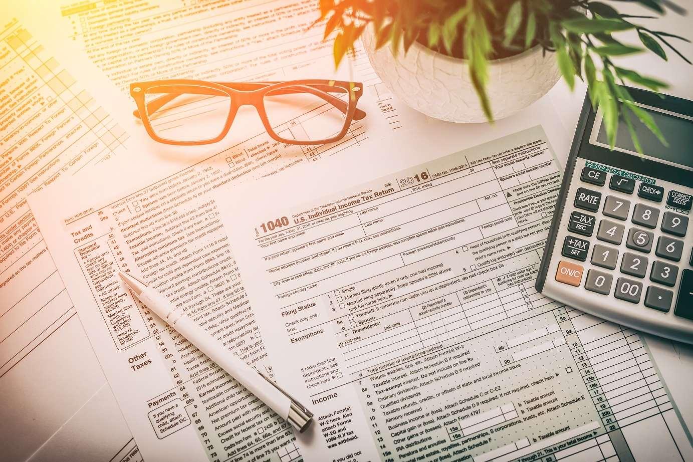 Ryczałt czy VAT – co się bardziej opłaca?