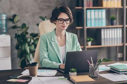 Jak poprawnie obliczyć pierwszy urlop pracownika?