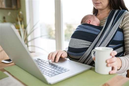 Ile przerw na karmienie dziecka należy się pracownicom?