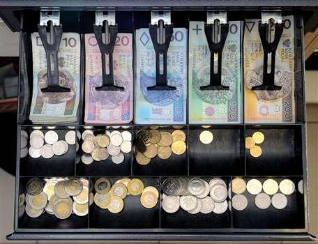 Kasa fiskalna – kto i kiedy ma obowiązek jej posiadania?