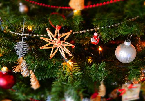 How to manage employee time during the festive season?