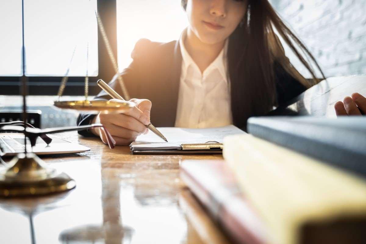 Jak prowadzić i czy jest obowiązkowa karta ewidencji czasu pracy?