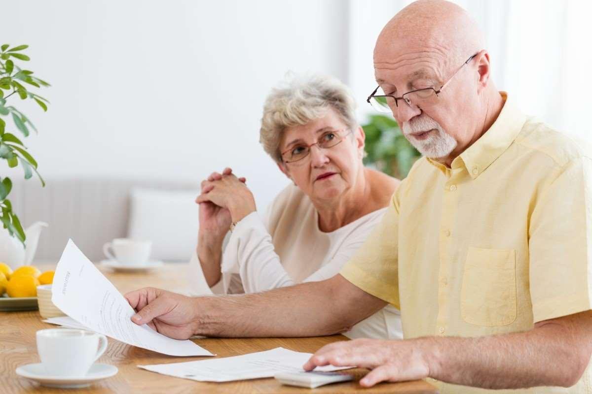 Najniższa emerytura – kto może ją otrzymać? Jakie wymagania należy spełnić